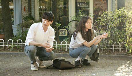 Sau 'Train To Busan', Gong Yoo tan cong man anh nho cung Kim Go Eun - Anh 12