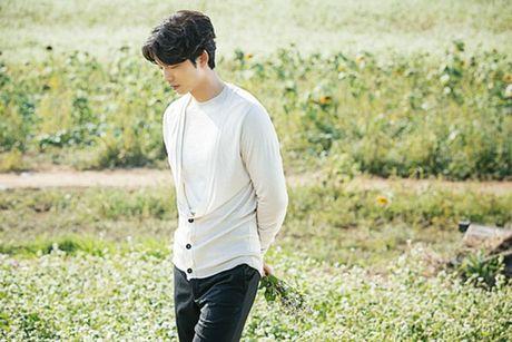Sau 'Train To Busan', Gong Yoo tan cong man anh nho cung Kim Go Eun - Anh 1