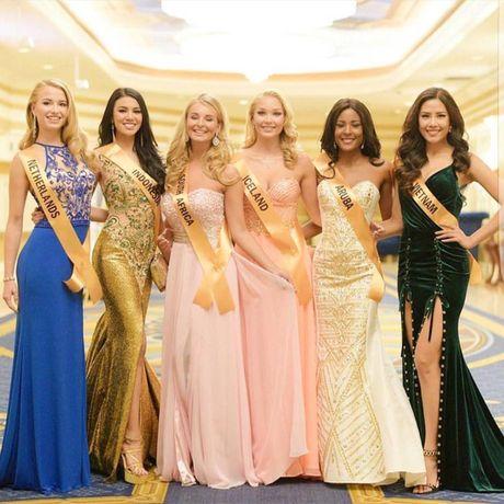 Nguyen Thi Loan tu tin noi tieng Anh truoc 80 thi sinh Miss Grand International - Anh 2