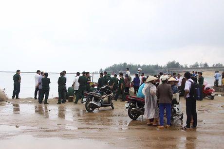 Quang Tri: Chim tau cho hon 35 nguoi, 1 nguoi chet - Anh 3
