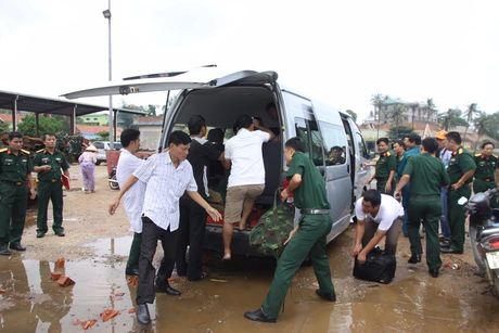 Quang Tri: Chim tau cho hon 35 nguoi, 1 nguoi chet - Anh 4