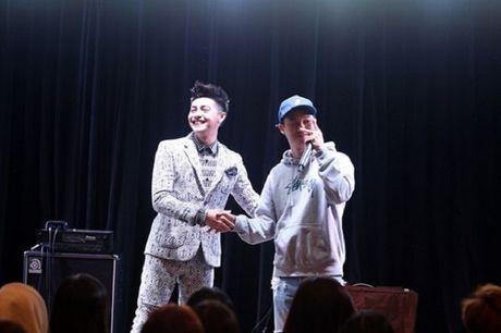Noo Phuoc Thinh to chuc hop fan tai nuoc ngoai - Anh 3