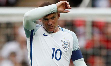 Rooney mat suat da chinh o tuyen Anh - Anh 2