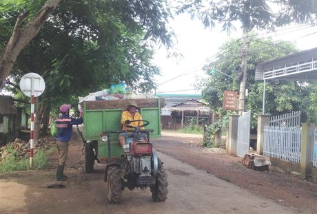 To thu gom rac thai, cach lam hay cua EaM'Nang - Anh 1