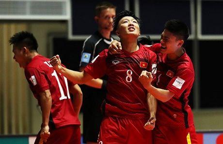 Top 10 ban thang dep nhat World Cup futsal 2016: Danh bai Falcao, Minh Tri ve nhi - Anh 1