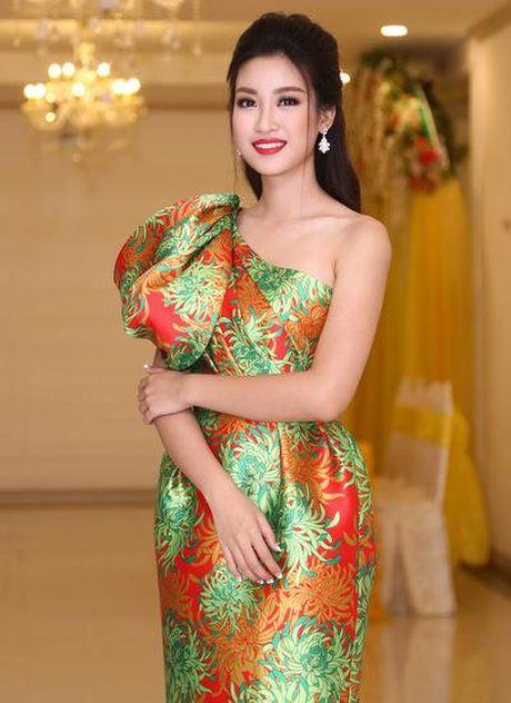 Vi sao da co My Linh, Pham Huong van con nguyen hao quang ruc ro tren dau? - Anh 12