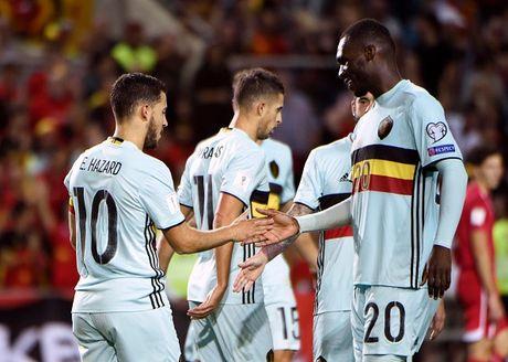 Vong loai World Cup 2018: San khau cua Pogba & Ronaldo - Anh 8