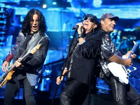 Quoc Trung va Scorpions: Ba nam mang 'dot' mot gio - Anh 1