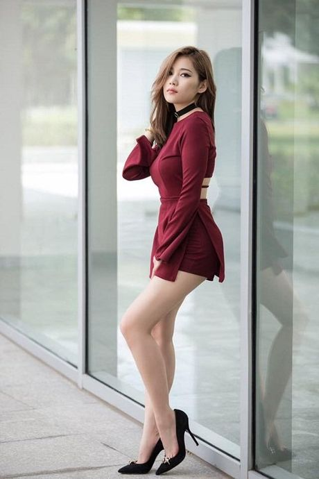 Ban gai moi Milan Pham ngay cang sexy, Tien Dat ngay cang 'ky quai' - Anh 11