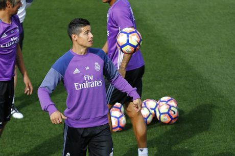 Real Madrid nhan cu hich ve luc luong - Anh 1