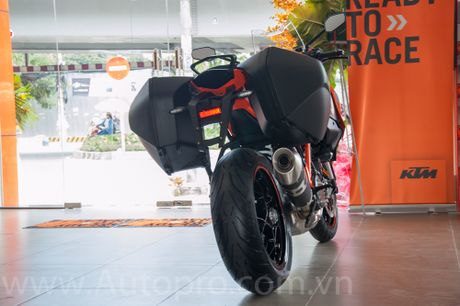Sieu mo to KTM 1290 Super Duke GT dau tien cap ben Viet Nam, gia tu 690 trieu Dong - Anh 4