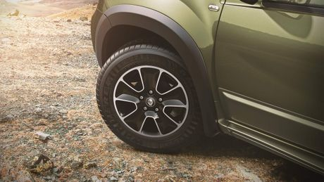 Renault Duster Adventure Edition 2016 - Xe off-road gia hon 300 trieu Dong - Anh 4