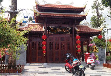Can canh nha hang go khung nhat Phu Yen duoc cho 'song' 5 nam - Anh 1