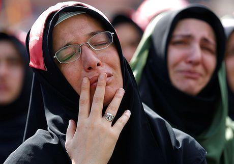 Can canh le hoi Ashoura cua nguoi Hoi giao dong Shiite - Anh 2