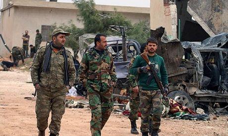 Giao tranh ac liet, chi huy khung bo bo mang tai Homs - Anh 1