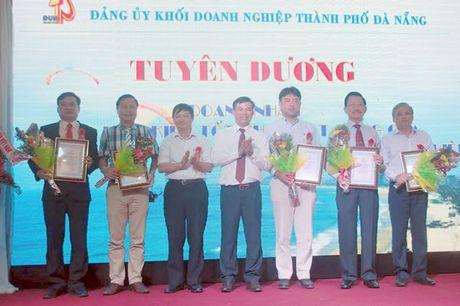 Ton vinh doanh nghiep cham lo tot doi song nguoi lao dong - Anh 2