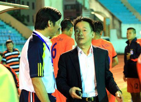 """Ong Bui Xuan Hoa - chu tich CLB SHB Da Nang: """"Khong co chuyen SHB rut lui"""" - Anh 1"""