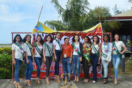 Nam Em dien vay giong Pham Huong gay chu y tai Miss Earth 2016 - Anh 11