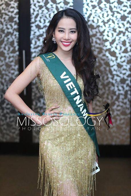 Nam Em dien vay giong Pham Huong gay chu y tai Miss Earth 2016 - Anh 1