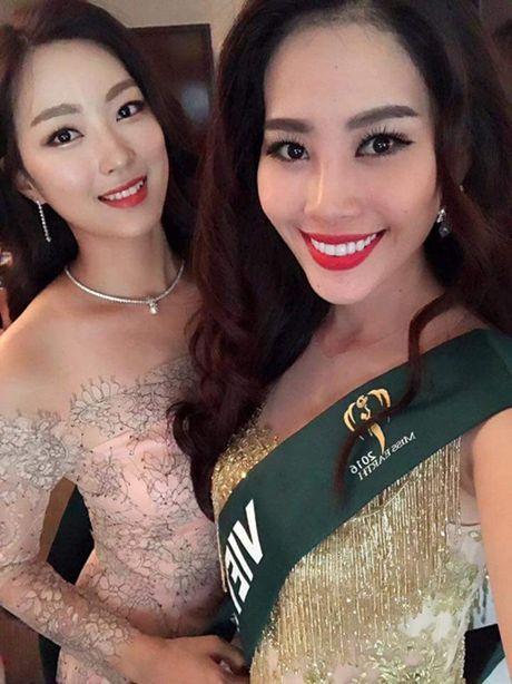Nam Em dien vay giong Pham Huong gay chu y tai Miss Earth 2016 - Anh 5