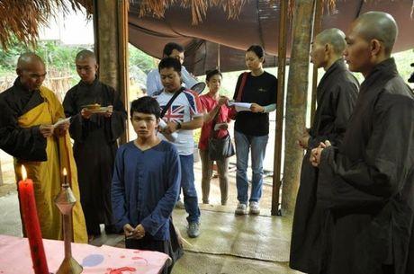 'Ve phia mat troi' - Huong den su yeu thuong muon loai - Anh 6