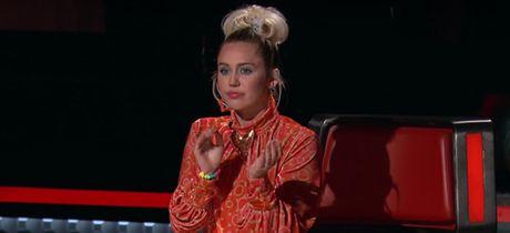 Miley Cyrus khoc nghen ngao khi loai thi sinh - Anh 2