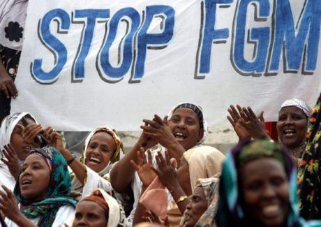 Nigeria: 20 trieu phu nu va tre em chiu hu tuc cat 'cua minh' - Anh 1