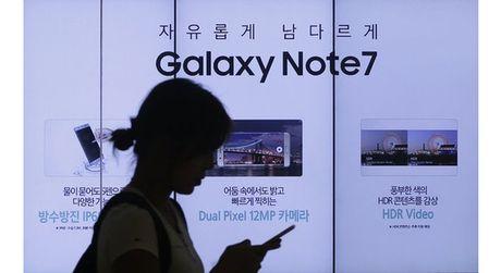 Cung phai thu hoi hang trieu san pham, Samsung dang hoc theo cach xu ly thong minh cua Johnson&Johnson? - Anh 1