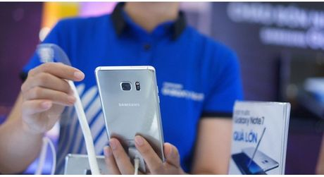 Note7 phat no va loi canh bao cua chuyen gia Le Dang Doanh: Xuat khau Viet Nam le thuoc vao mot Samsung la rat nguy hiem - Anh 1