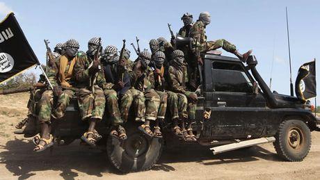 Cong dan Anh bi bat vi tuyen mo chien binh khung bo o Somalia - Anh 1