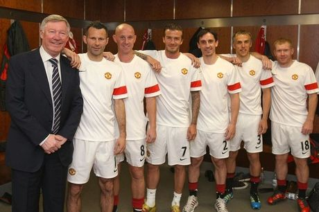Tro cu to Sir Alex Ferguson doi xu voi cau thu nhu no le - Anh 1