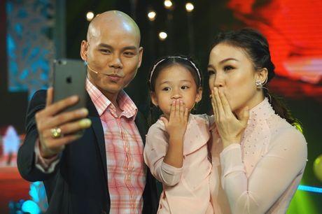 Ba xa Phan Dinh Tung pha le cam mic cung chong tai Sai Gon Dem Thu 7 - Anh 2
