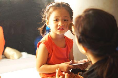 Ba xa Phan Dinh Tung pha le cam mic cung chong tai Sai Gon Dem Thu 7 - Anh 6