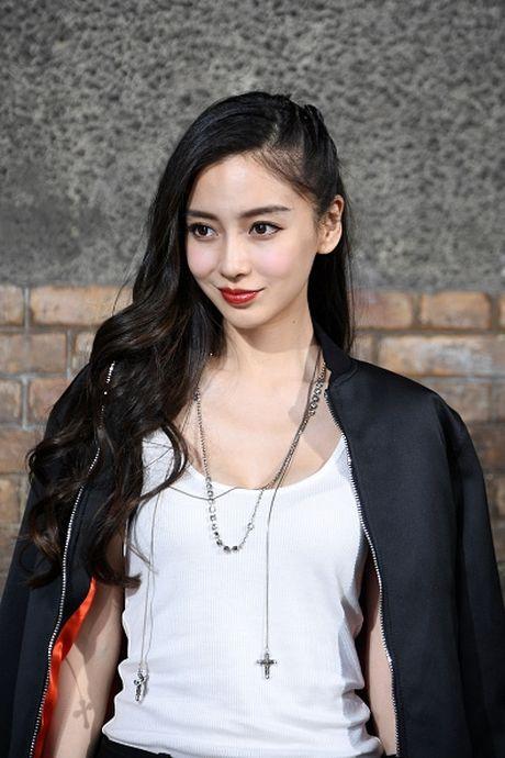 Nhung guong mat nu 'chuan khong can chinh' cho 'SCI Me An Tap' phien ban ngon tinh - Anh 6