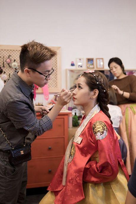 Chi Pu mac Hanbok khoe sac giua lang co Han Quoc - Anh 2