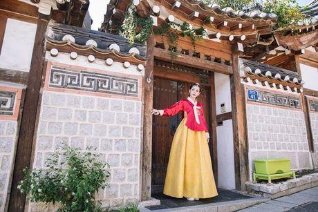 Chi Pu mac Hanbok khoe sac giua lang co Han Quoc - Anh 5