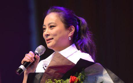 Yeu tinh dep nhat 'Tay du ky' xuong sac, lan dan o tuoi 53 - Anh 3