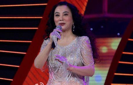 Yeu tinh dep nhat 'Tay du ky' xuong sac, lan dan o tuoi 53 - Anh 9