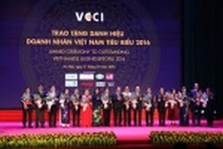 Doanh nhan Huynh Kim Lap - Chu tich Thien Tan Group nhan Cup Thanh Giong - Anh 4