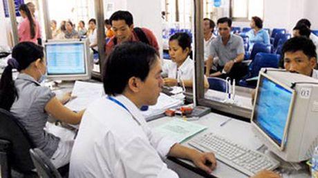 Tien luong cong chuc thap: Cach nao de cai thien? - Anh 1