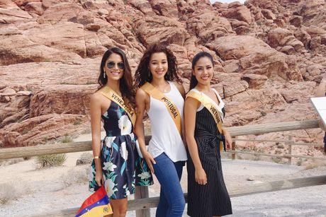 Nguyen Thi Loan noi bat ben 80 thi sinh Miss Grand International - Anh 6