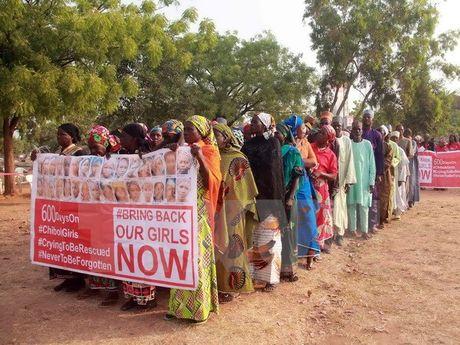 Nigeria: Boko Haram tra tu do cho 21 nu sinh tai lang Chibok - Anh 1