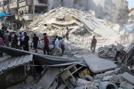 Chien su Aleppo: Tranh cai ai giet thuong dan - Anh 1