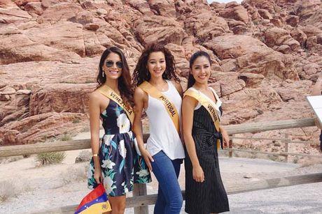Nguyen Thi Loan rang ro xinh tuoi vuot troi ca Hoa hau Venezuela - Anh 7