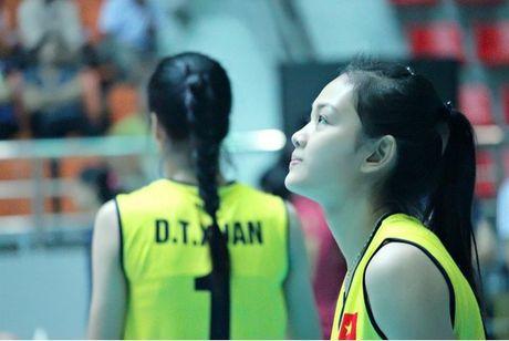 Ung vien Miss VTV Cup 2016 trai long ve dam me bong chuyen - Anh 5