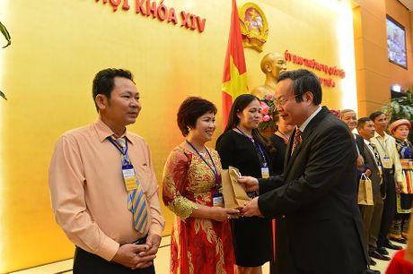 Doan Nong dan Viet Nam xuat sac 2016 vao tham Quoc hoi - Anh 9