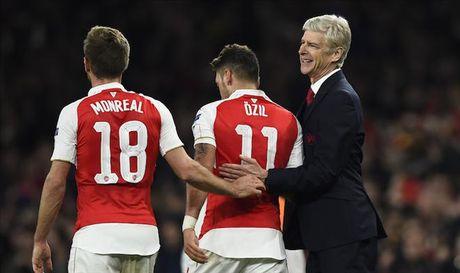 Arsene Wenger nhan ra chan ly khien Arsenal chua the vo dich Premier League - Anh 1