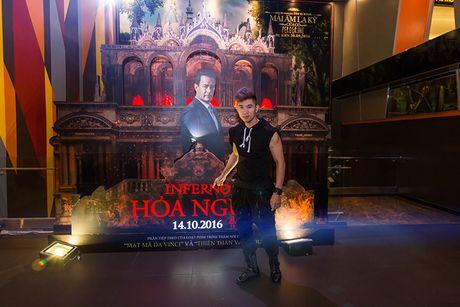 'Ban gai' rapper Tien Dat le bong di xem phim 'Hoa nguc' - Anh 5