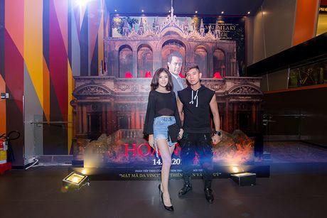 'Ban gai' rapper Tien Dat le bong di xem phim 'Hoa nguc' - Anh 6