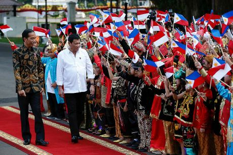 Toan canh 100 ngay dau cua Tong thong Philippines Duterte - Anh 17